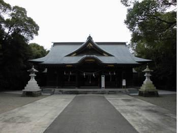宮崎市11 一ッ葉稲荷神社 正面ご社殿2.jpg