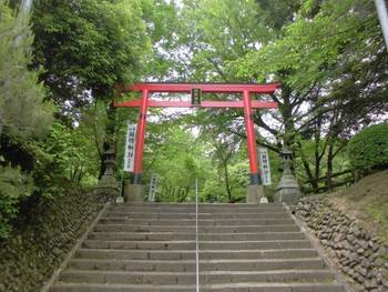 都城市2 挟野神社階段鳥居.jpg
